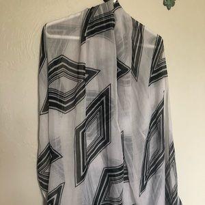 3/$10 black & white sheer scarf